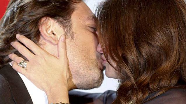 Ein inniger Kuss zwischen Filmpartnern