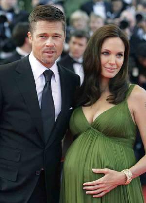 Angelina Jolie mit Brad Pitt hochschwanger in Cannes 2008