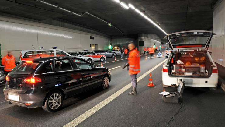 Verkehrs- und kriminalpolizeiliche Grosskontrollen in Schlieren, Birmensdorf und Dietikon