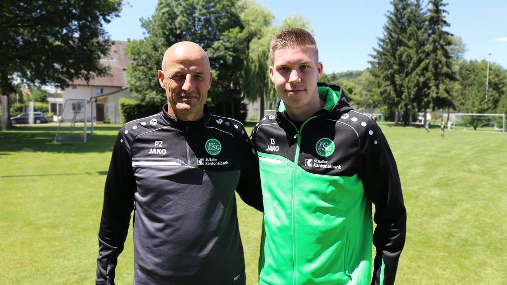 Cedric Itten hat beim FCSG einen 3-Jahres-Vertrag unterschrieben.