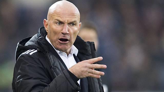 Chefcoach Carlos Bernegger bleibt bis 2015 bei Luzern