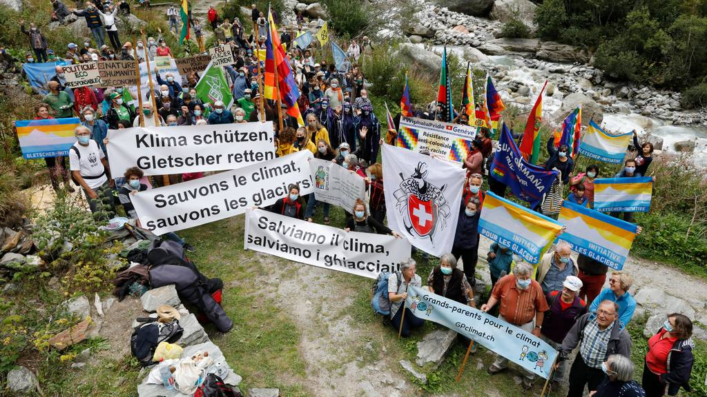 200 Personen gedenken im Wallis den verschwundenen Gletschern