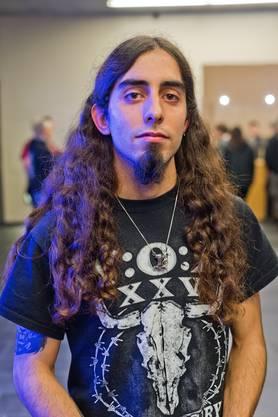 «Heavy-Metal-Festivals sind schon fast eine Art Hobby für mich. Solche Events sind mehr als einfach nur ein Konzert. Man hat jedes Mal auch die Gelegenheit, die Musiker persönlich kennen zu lernen.»