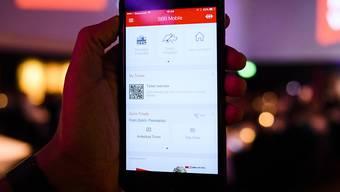 Die neue SBB-App bietet neue Funktionen. So kann etwa das Halbtax-Abonnement darauf hinterlegt werden.