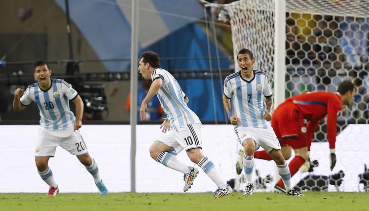 Messi jubelt nach dem 2:0 für Argentinen.