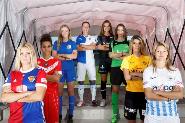 2017: Von links nach rechts: Rachel Rinast (Basel), Veronika Emini (Lugano), Rahel Tschopp (Luzern), Mirjam Betschart (GC), Lara Jenzer (Aarau), Alison Fallet (Yverdon), Florijana Ismaili (YB), Barla Deplazes (Zürich).