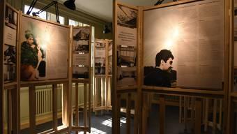 """Ausstellung """"Shelter is not enough"""" zeigt, dass Integration nicht mit dem Dach über dem Kopf endet."""