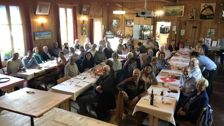 Die Delegation der SVP Bezirk Dietikon wurde im Haus der Freiheit vom Bruder von Toni Brunner, Andi Brunner (mittendrin), willkommen geheissen
