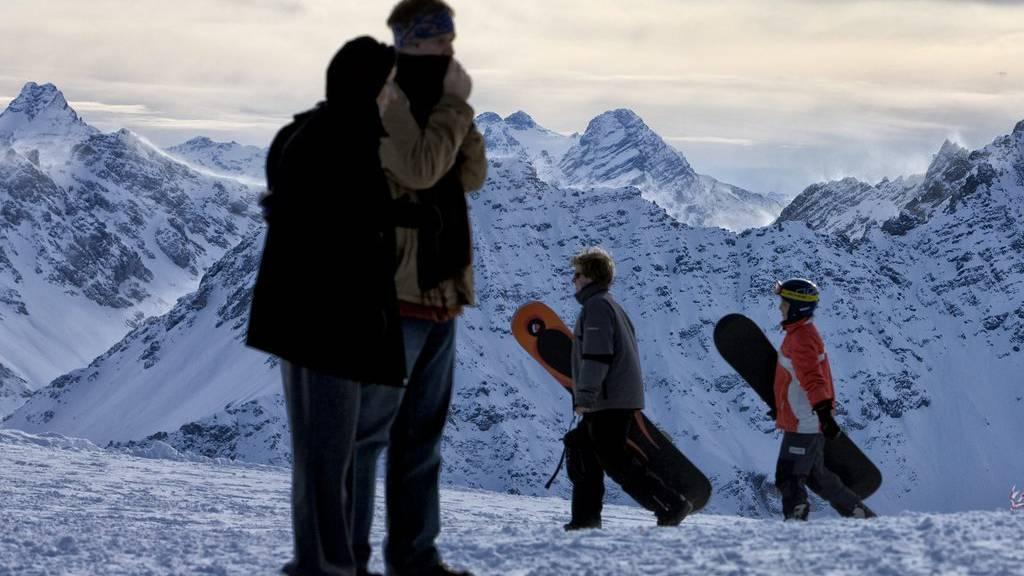 In Arosa wird das Snowboard immer unbeliebter. (Archiv)