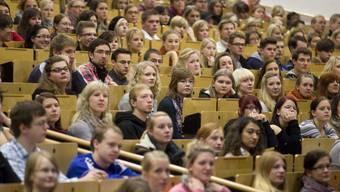 EFZ-Inhaber sollen weiterhin die Möglichkeit zum Studieren haben. (Themenbild) az-Archiv