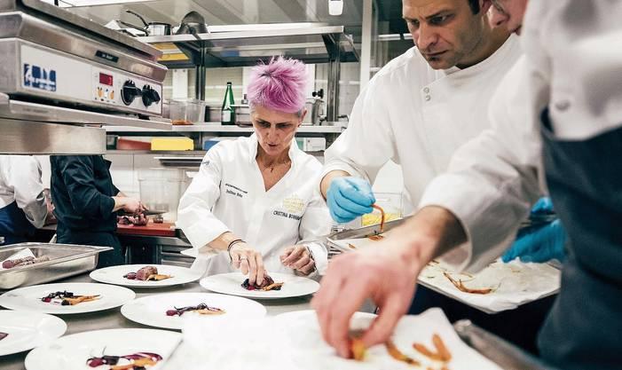 Christina Bowermann zeigt ihre Experimentierkünste am Gourmetfestival in St.Moritz.