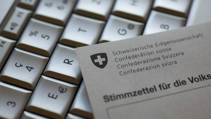 Die Absage des Bundesrats habe das Vertrauen in das E-Voting-System des Consortiums stark belastet, urteilten die neun betroffenen Kantone (Symbolbild).