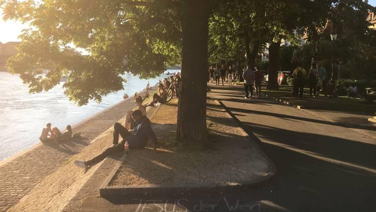 Abendstimmung am Rhein: Dieser Uferabschnitt, wo sich auch die meisten Buvetten befinden, gilt als intensiv genutzter Ballungsraum.