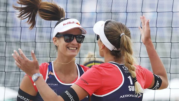 Joana Heidrich (links) und Anouk Vergé-Depré sind als Gruppensiegerinnen direkt für die Achtelfinals qualifiziert