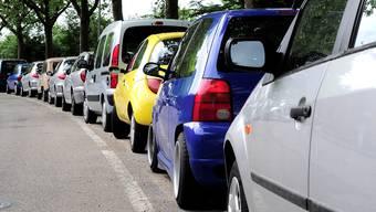 Um die Parkplatzsituation in Basel wird gestritten.