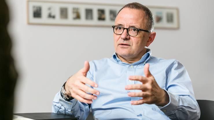 Der Aarauer Stadtpräsident Hanspeter Hilfiker in seinem Büro im Rathaus Aarau. Fotografiert am 18. Dezember 2018.