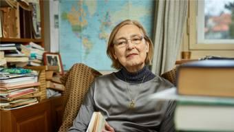 Schriftstellerin Anna Felder (81) in ihrem Arbeitszimmer – ihr «Reich» – in Aarau.