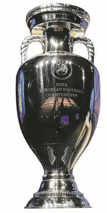 Wer darf vier Jahre nach Spanien den EM-Pokal stemmen?