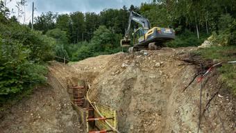 Um die Quelle neu zu fassen, sind aufwendige Tiefbauarbeiten notwendig.