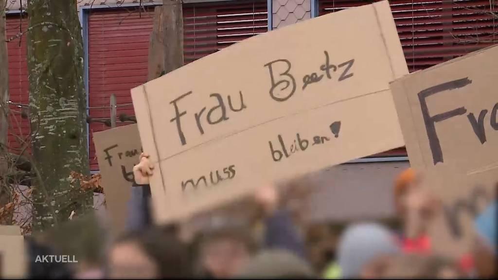 Schulknatsch: Kinder demonstrierten in Buttwil für ihre Primarlehrerin