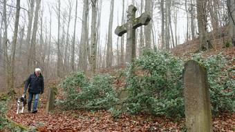 Ein schlichtes Kreuz erinnert an die 3000 österreichischen Soldaten, die 1814 in Klingnau die letzte Ruhe fanden. ZA