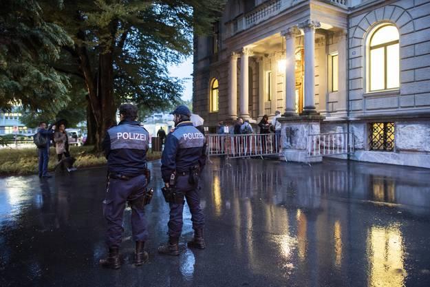 Zehn Männer aus dem Umfeld der Winterthurer An'Nur-Moschee sind verhaftet worden - sie sollen zwei Glaubensbrüder angegriffen haben.