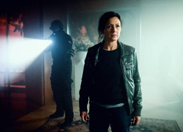 Kommissarin Liz Ritschard (Delia Mayer) und ihr Sonderkommando.