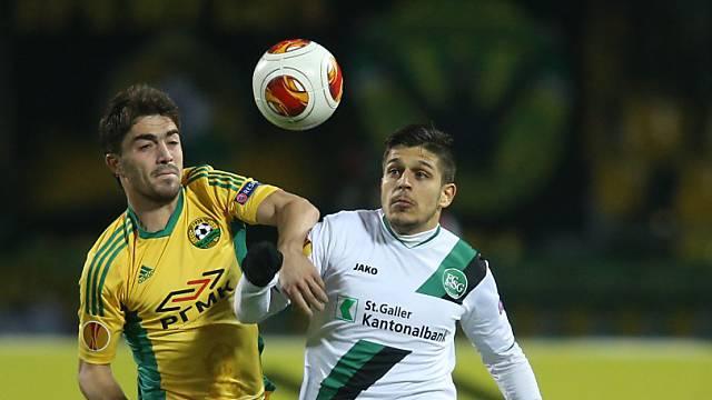 St. Gallens Roberto Rodriguez (r.) hat beim 0:4 das Nachsehen