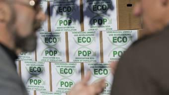 Bei der Einreichung der Ecopop-Initative.