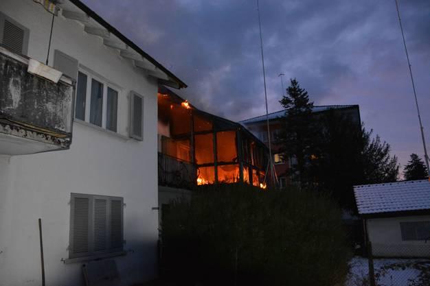 Das Feuer breitete sich auf die Dachkonstruktion aus.