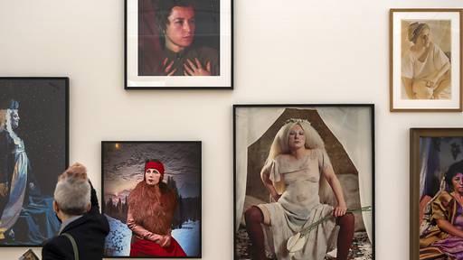 Weibliche Einblicke in die Porträtkunst der Moderne