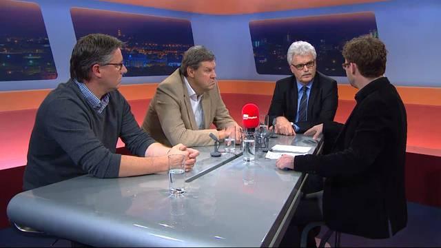 In der Sendung «TalkTäglich» diskutieren FC-Aarau-Vizepräsident Roger Geissberger (2. v. l.), Hanspeter Fricker, Generalsekretär des Aargauer Jusitizdepartements (3. v. l.), und FCZ-Fan Ciri Pante (links), der am Samstag selbst in Polieigewahrsam war.