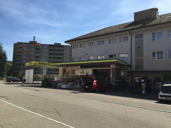 LANDI Laden in Dietikon mit AGROLA Tankstelle