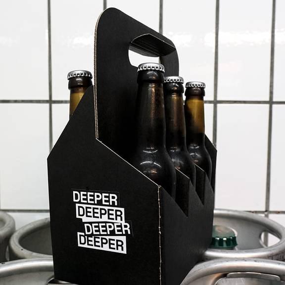Deeper-Sixpack_Verlosung_Bild@Vivien-Peraemaeki