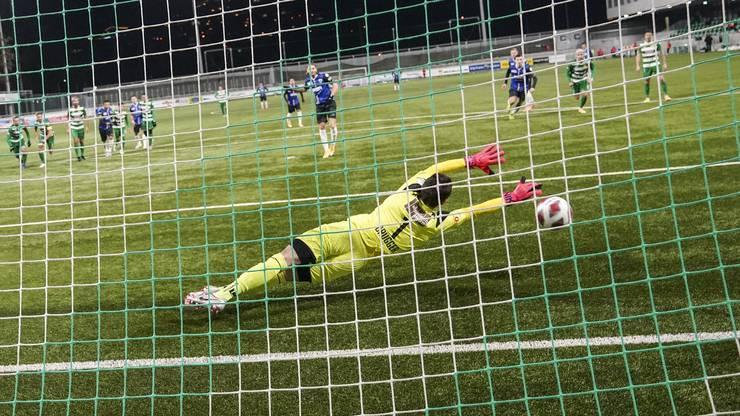 Olivier Jäckle netzt per Penalty zum 1:0 ein.
