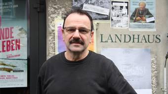 Ueli Buchmüller kennt als Hauswart das Landhaus aus dem Effeff – was an den Filmtagen sehr nützlich ist.