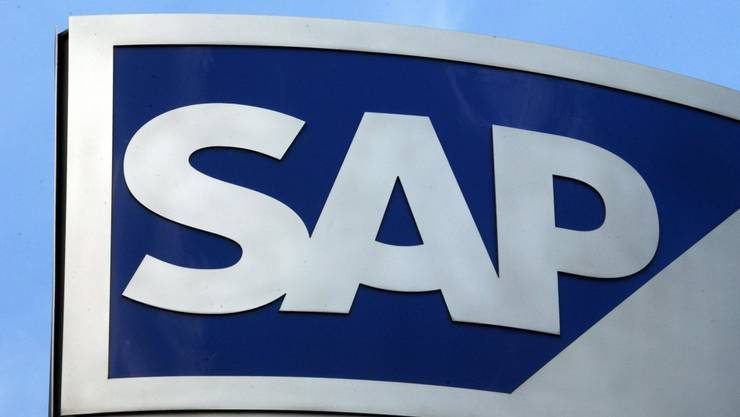 Das Cloud-Geschäft von SAP profitiert von einem Deal mit Microsoft: Das SAP-Logo vor dem Hauptsitz im deutschen Walldorf (Archivbild).