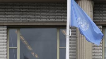 UNO-Flagge vor dem Strafgerichtshof in Den Haag (Archiv)
