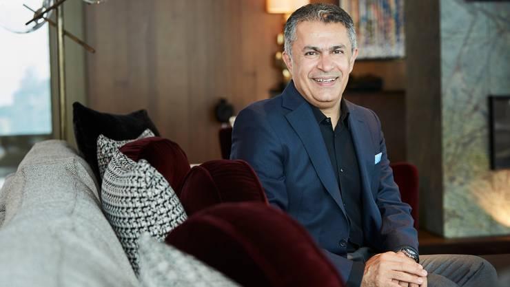 Saeid Heidari in der Presidential Suite des Hotels Bürgenstock.