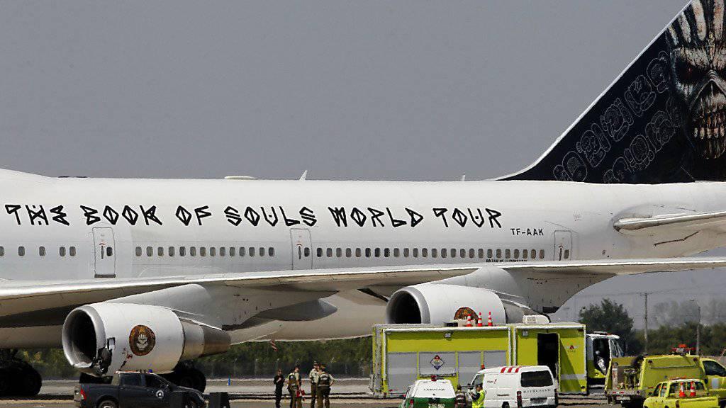 Flugzeug von Iron Maiden in Chile schwer beschädigt
