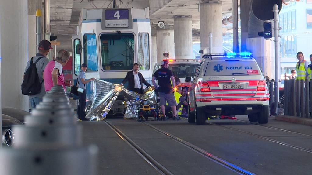 Tramunfall Kreis 5: Velofahrerin erliegt ihren Verletzungen