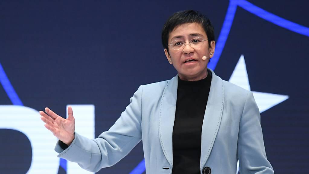 Maria Ressa, philippinische Journalistin und Autorin, spricht bei einer Konferenz.