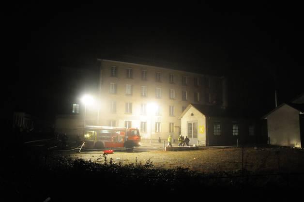 An der Brodheiteristrasse in Aarburg brach in der Nacht auf Freitag, 9. November in einer alten Industrieliegenschaft ein Brand aus.
