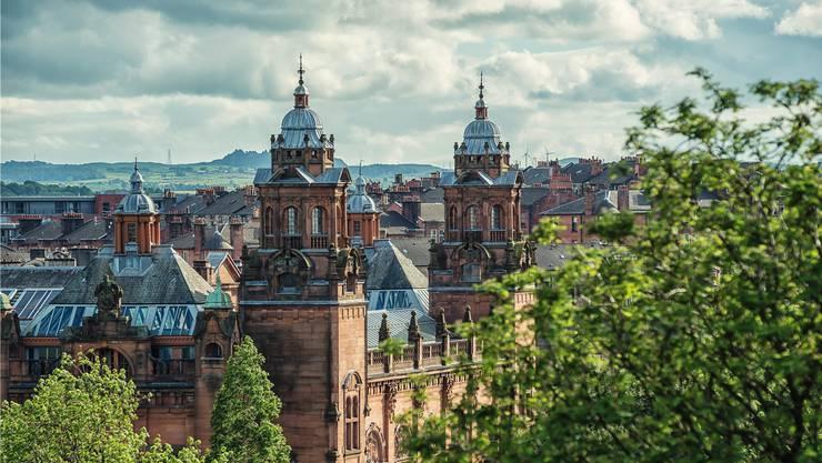 Gebäude im viktorianischen Stil prägen das Stadtbild Glasgows: Die Kelvingrove Art Gallery ist eines der berühmtesten Bauwerke Schottlands.