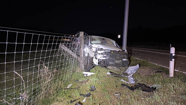 In der Nacht auf Dienstag nickte ein Automobilist in Möhlin während der Fahrt ein