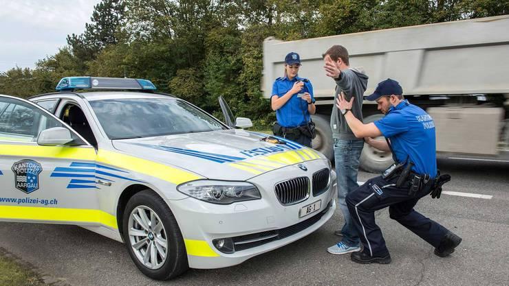 Die Arbeit der Polizei im Aargau zahlt sich aus: Im letzten Jahr gab es weniger Einbrüche im Aargau. (Symbolbild)