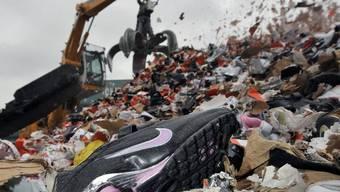 Vernichtung von gefälschten Produkten in Deutschland (Archiv)