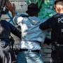 Dealer und Polizisten geraten im Görlitzer Park täglich aneinander.