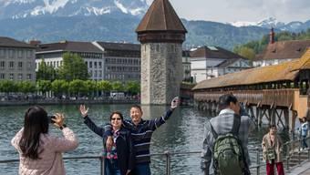 Die Schweiz wird für Touristen teurer. Das könnten Destinationen wie Luzern zu spüren bekommen.