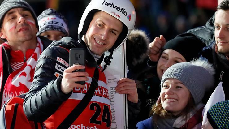 Simon Ammann ist bei den Fans aller Nationen beliebt.